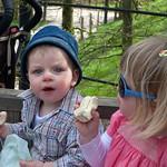 Fin & Izzie at Alnwick, 21-4-2009 (IMG_5407) 4k