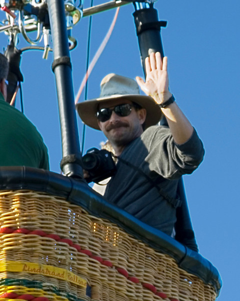 Ed rides in the Mayflower balloon, piloted by Kevin Knapp, Pellissippi Balloon Festival, Knoxville, Tennessee, September 2007.