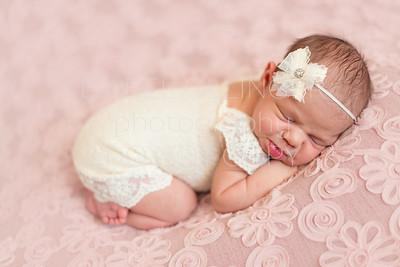 Mattea Newborn-27