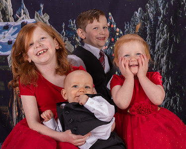20191117-2019MarstallFamilyChristmasPhotos-AnnaliseDracoRosalieOrion-7