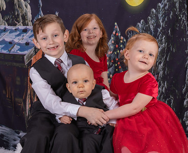 20191117-2019MarstallFamilyChristmasPhotos-AnnaliseDracoRosalieOrion-1