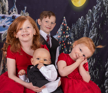 20191117-2019MarstallFamilyChristmasPhotos-AnnaliseDracoRosalieOrion-8