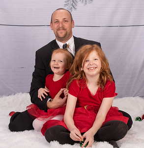 20191117-2019MarstallFamilyChristmasPhotos-NickAnnaliseRosalie-2wm
