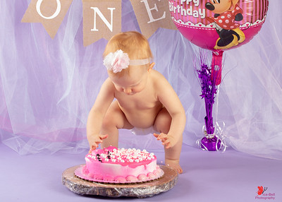 20180505-Rosalie1stBirthday-CakeSmash-4wm