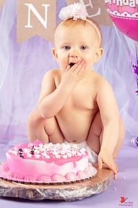 20180505-Rosalie1stBirthday-CakeSmash-6wm