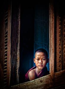 2014-10-14_NyaungSwe_Shwe_Yanghwe_Kyaung_NoviceInWindow-3334