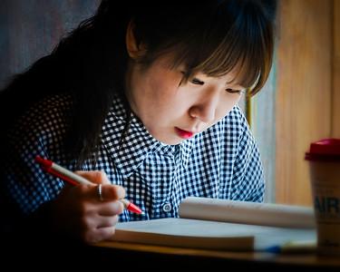 2015-02-08_Chungmuro_CoffeeShop_SchoolGirl-0627