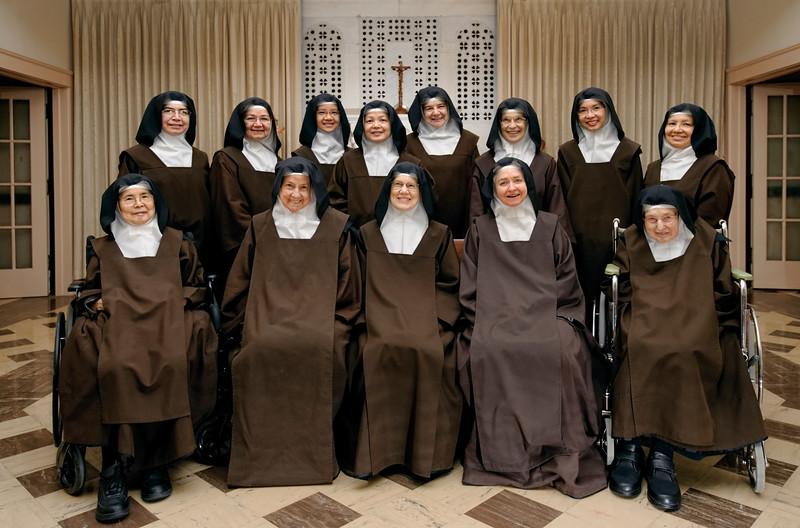 cloistered carmelite nuns