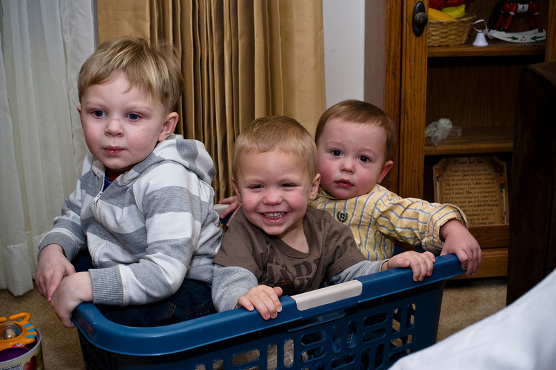 We're riding in the boat! - Silas, Owen and Owen. - Dec 2008
