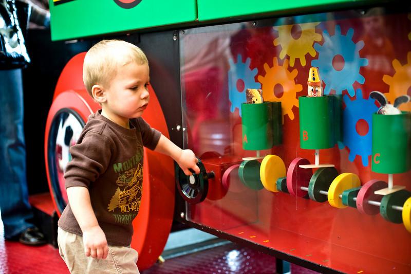 Making the gears work. - Owen - Dec 2008