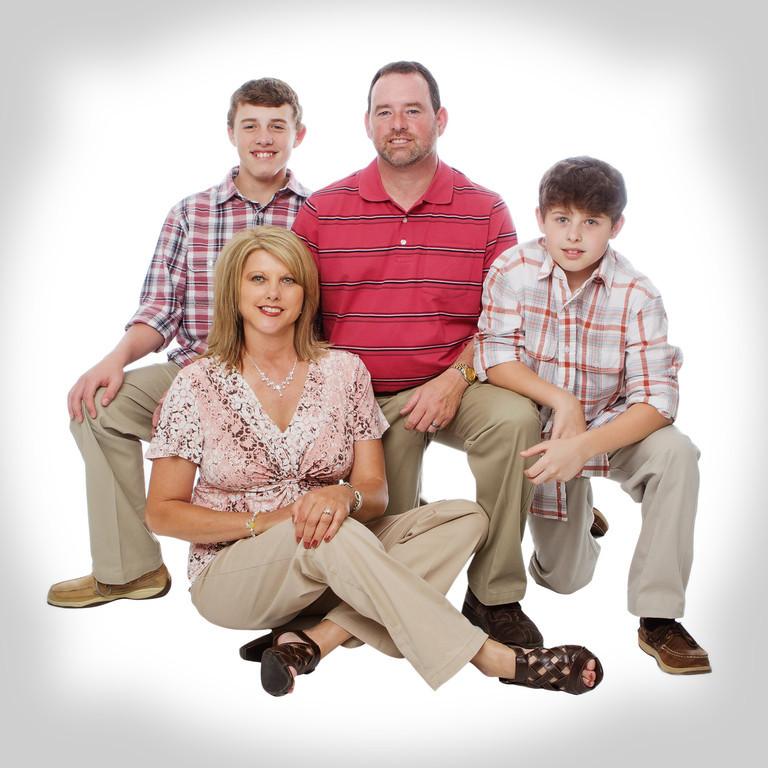 Plunk Family 30x30croplightvingette