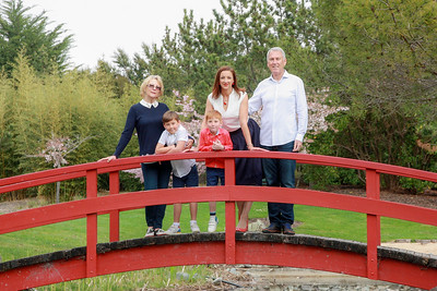 Family portraits at Miyazu Gardens Nelson, Spring 2018.