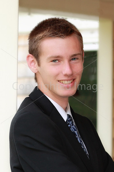 2015_Steele_N_2658_headshot2