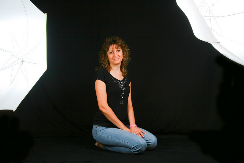 Sheri with off-camera strobes & umbrellas