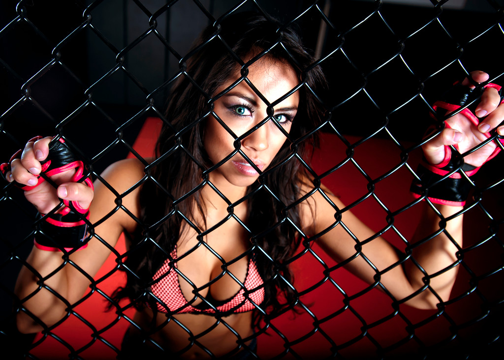Model - Aline Location - www.remixmma.com