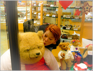 She likes BIG bears and she can NOT LIE