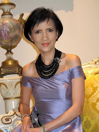 Quynh Huong Feb 12, 2012