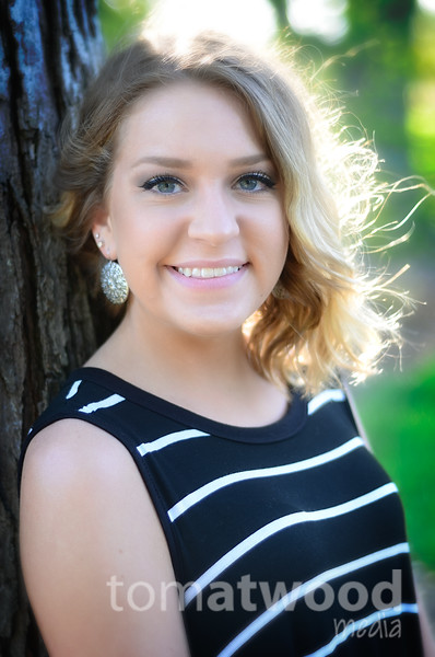Carlie Mulhall Senior Pictures
