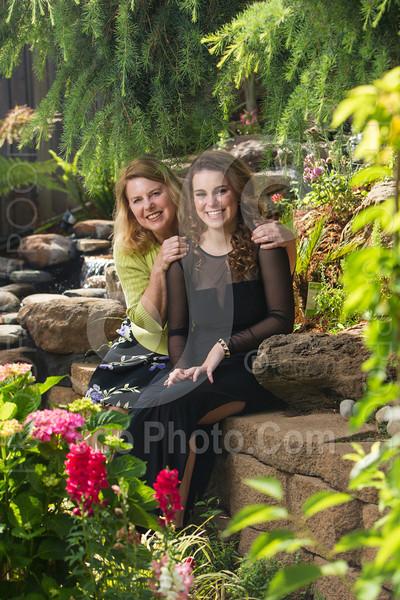2014-05-17-yadegar-senior-prom-family-5211