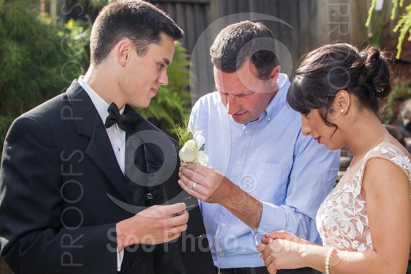 2014-05-17-yadegar-senior-prom-family-5238