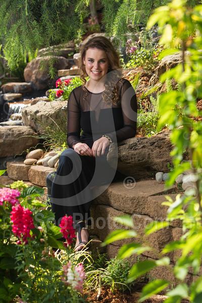 2014-05-17-yadegar-senior-prom-family-5214