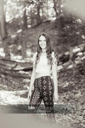 Carly-Cresta_Senior-Portraits_091516-2371