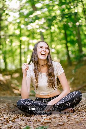 Carly-Cresta_Senior-Portraits_091516-2418