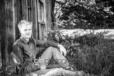 Isaac-Dell_Outdoor-Senior-Portraits-4741_09-14-14 - ©BLM Photography 2014