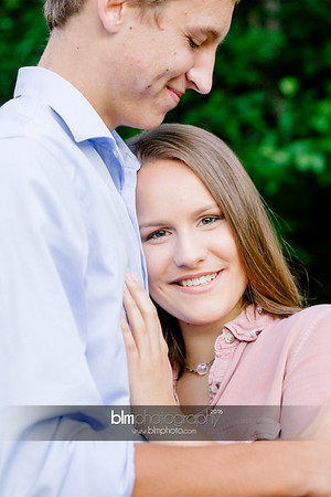 Isaac-and-Gwen_Senior-Portraits_091516-3129