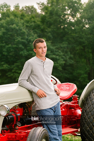 John-Grossi_Senior-Portraits-7755_09-07-16_ ©BLM Photography 2016