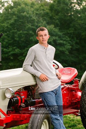 John-Grossi_Senior-Portraits-7753_09-07-16_ ©BLM Photography 2016