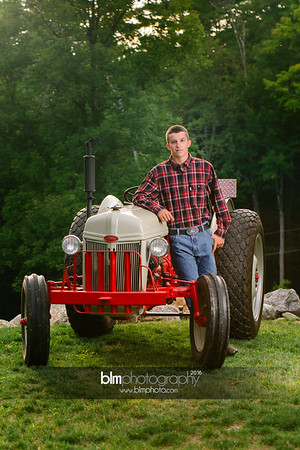 John-Grossi_Senior-Portraits-7769_09-07-16_ ©BLM Photography 2016