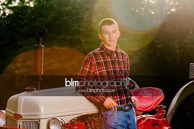 John-Grossi_Senior-Portraits-7801_09-07-16_ ©BLM Photography 2016