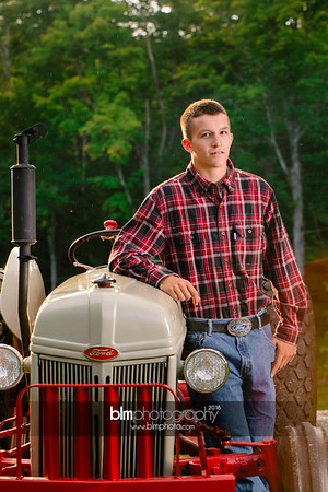 John-Grossi_Senior-Portraits-7797_09-07-16_ ©BLM Photography 2016