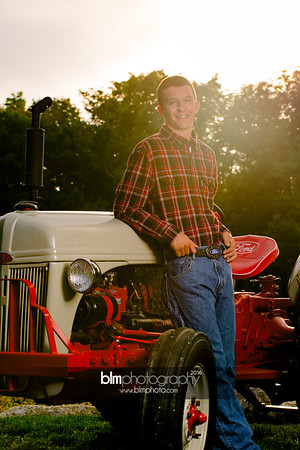 John-Grossi_Senior-Portraits-7809_09-07-16_ ©BLM Photography 2016