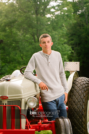 John-Grossi_Senior-Portraits-7761_09-07-16_ ©BLM Photography 2016
