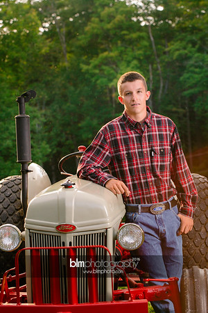 John-Grossi_Senior-Portraits-7795_09-07-16_ ©BLM Photography 2016