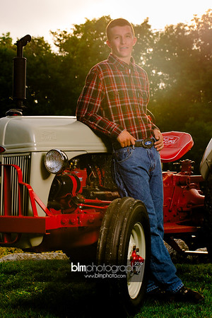 John-Grossi_Senior-Portraits-7810_09-07-16_ ©BLM Photography 2016