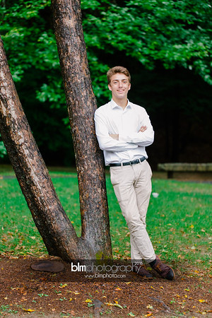 Michael_Zrzavy_Senior-Portraits_091916-6551