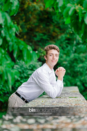 Michael_Zrzavy_Senior-Portraits_091916-6573