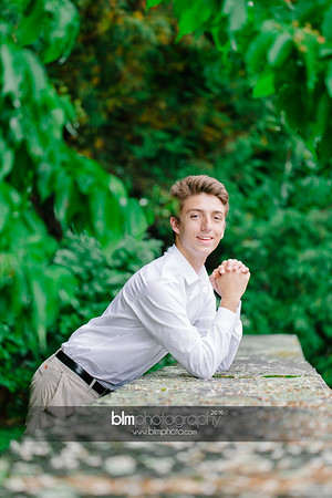Michael_Zrzavy_Senior-Portraits_091916-6575