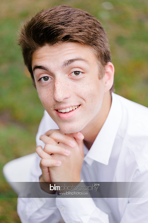 Michael_Zrzavy_Senior-Portraits_091916-6530