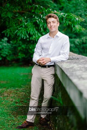 Michael_Zrzavy_Senior-Portraits_091916-6587