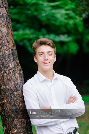 Michael_Zrzavy_Senior-Portraits_091916-6556