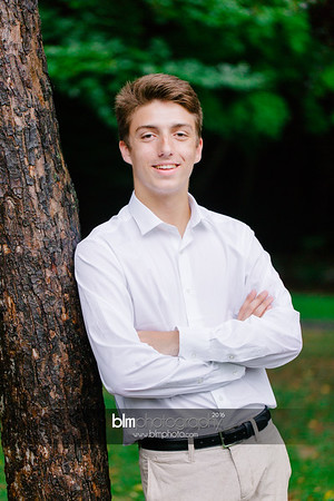Michael_Zrzavy_Senior-Portraits_091916-6557