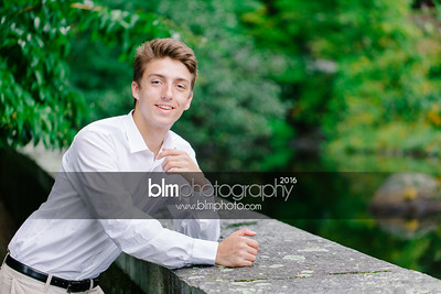 Michael_Zrzavy_Senior-Portraits_091916-6581