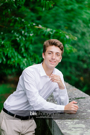Michael_Zrzavy_Senior-Portraits_091916-6579