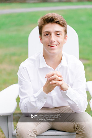 Michael_Zrzavy_Senior-Portraits_091916-6546