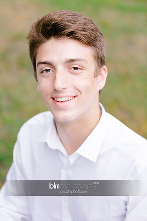 Michael_Zrzavy_Senior-Portraits_091916-6527