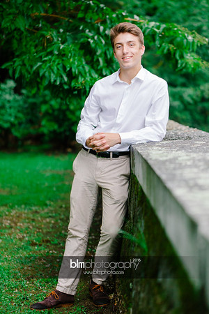 Michael_Zrzavy_Senior-Portraits_091916-6588